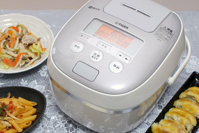 「炊飯器」であり「時短調理器」にもなるという、便利なIH炊飯器!