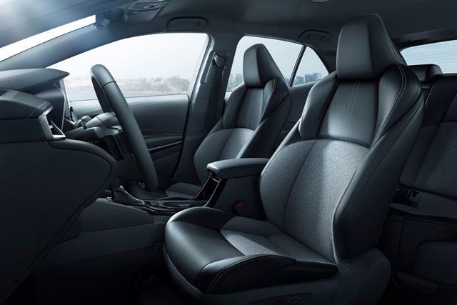 トヨタ 新型「カローラハッチバック」のフロントシート