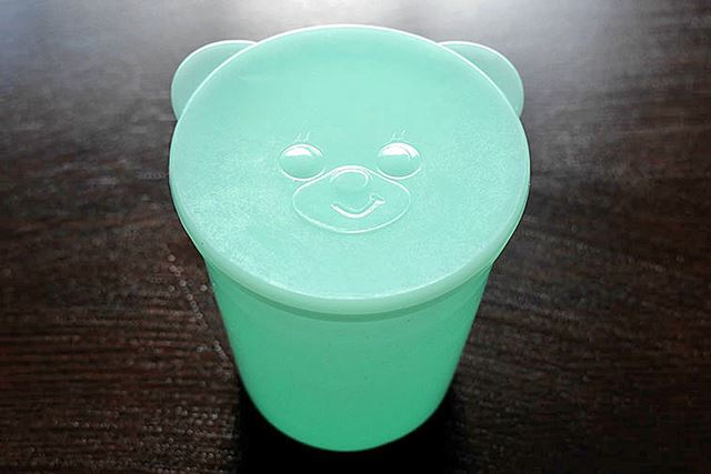 「きょろちゃん」型の(?)製氷カップが付属していました