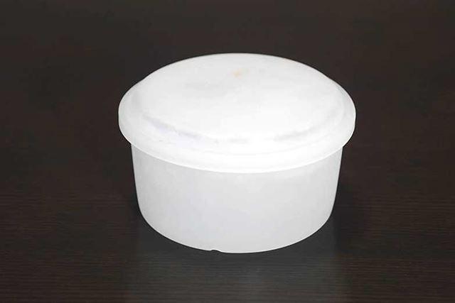 こちらは専用容器で作った氷しか使用することができません
