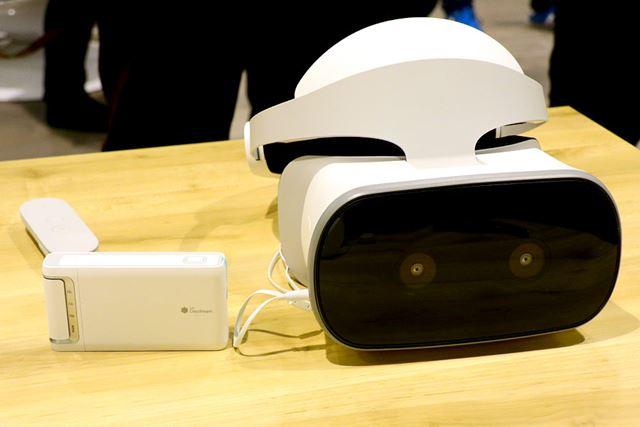 左がデュアル魚眼カメラのMirage Camera、右がスタンドアロン型VRヘッドセットのMirage Solo