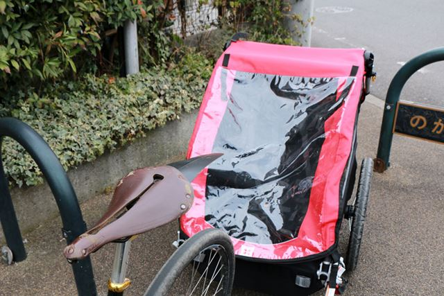 障害物のあるところは慣れるまでは、自転車から降りて引っぱるほうが安心かも