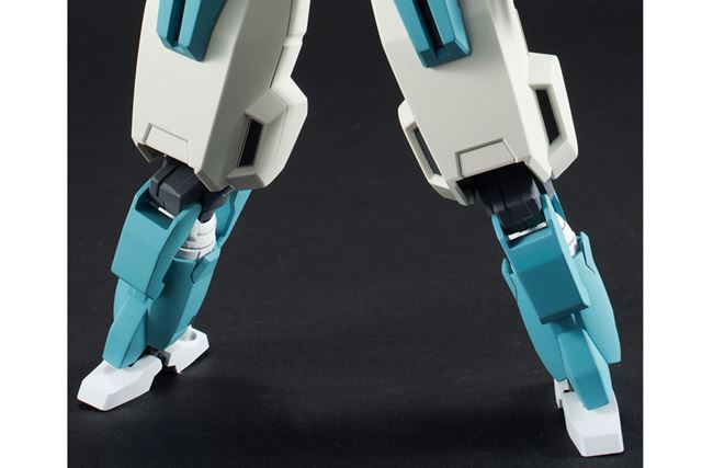 公式に詳しい説明はないが、脚部が伸びているような写真が掲載されている