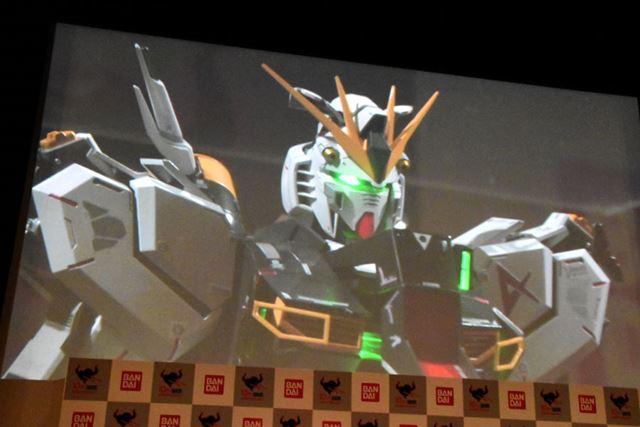 「魂ネイション2017」で発表された、新コンセプトのロボットシリーズ「解体匠機」第1弾の「νガンダム」