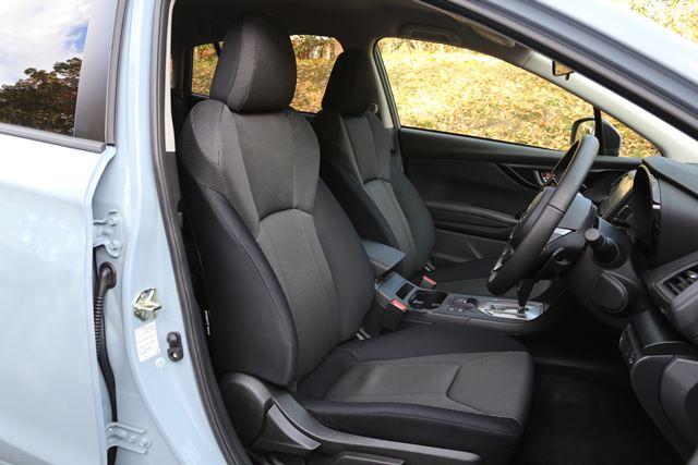 スバル「XV」のフロントシート。サイズに余裕があり、サポートもしっかりとしている