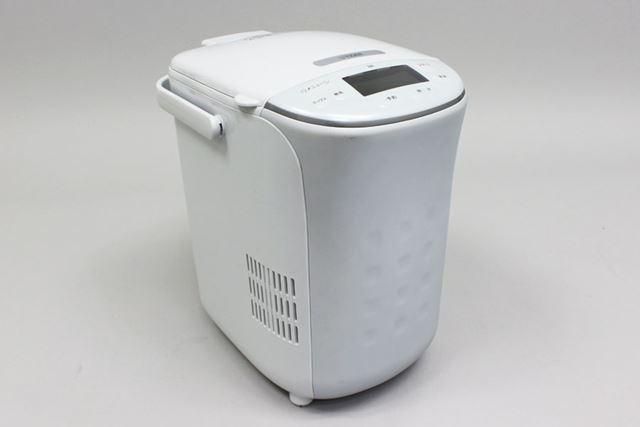 1斤の食パンが焼けるKBD-X100のサイズは、23.2(幅)×33.9(高さ)×31.6(奥行)cm