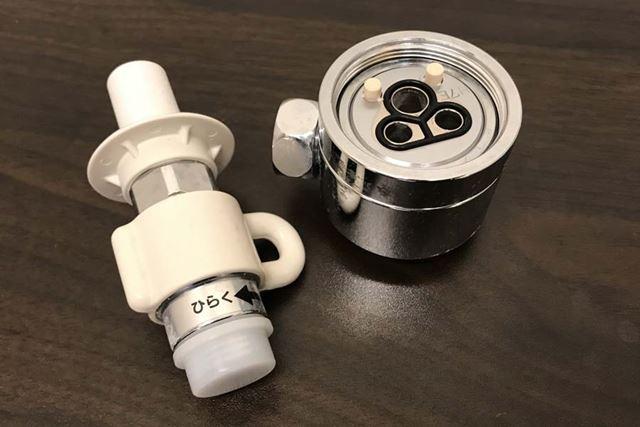 設置前に、キッチンの水栓の形に合う分岐水栓(別売)を用意する必要があります