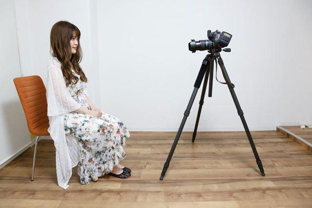 モデルとカメラの距離を変えてAI.Bフルオート撮影。470EX-AIの角度が変わっていることが確認できると思う