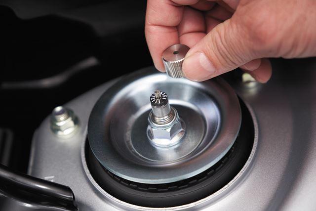 「S660 Modulo X」には5段階減衰力調整式の専用サスペンションが採用されている