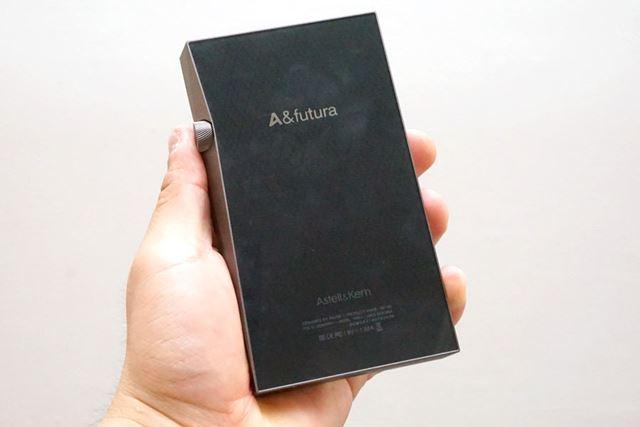 「A&futura SE100」の背面デザイン
