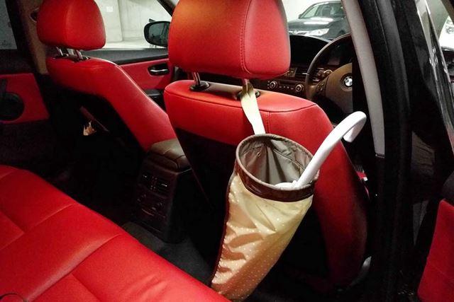面ファスナー式のストラップが付いているので、車のヘッドレストにも簡単に取り付けできます!