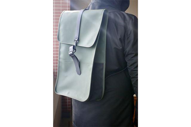 RAINS(レインズ)のBackpackです。色はグリーン