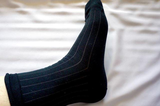 しかし直角靴下はかかとにぴったりフィットするのでどこも余る感じがありません