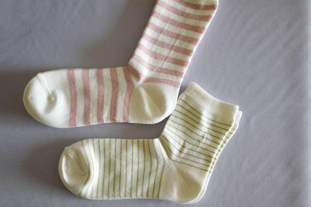 口ゴムがない女性用の直角靴下。ショートサイズも口ゴムなし仕様です