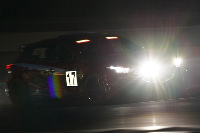 スーパー耐久富士SUPER TEC24時間レースのナイトレースを撮影
