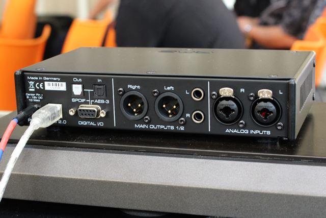 「ADI-2 Pro FS」。価格はオープンで、市場想定価格は205,000円(税別)