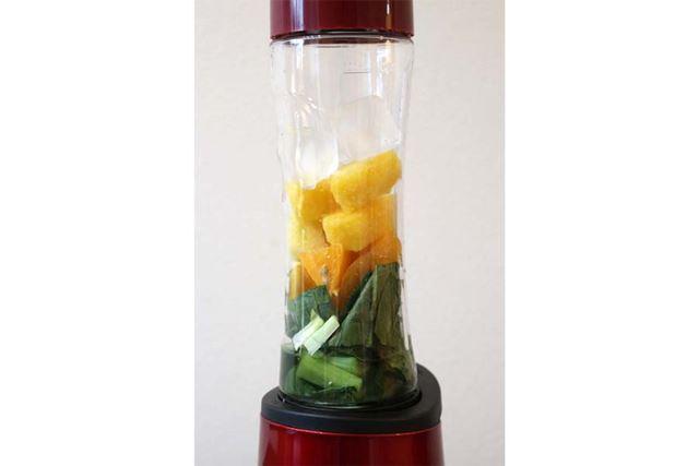 氷は家庭用の製氷器で作ったものであれば使用できます