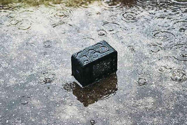 このような、びしょぬれの中でも撮影できる防水性能