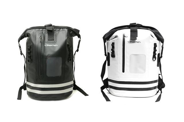 「ブラック」(左)と限定カラーの「ホワイト」(右)。本体下部に入った2本の横ラインが特徴的だ