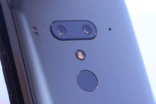 メインカメラは広角と2倍ズームという構成のデュアルカメラで構成されている