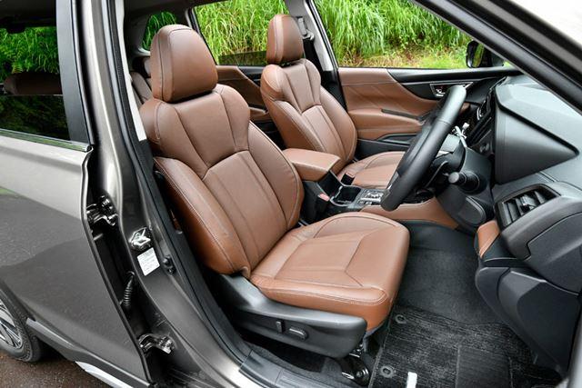 スバル 新型フォレスターのフロントシート