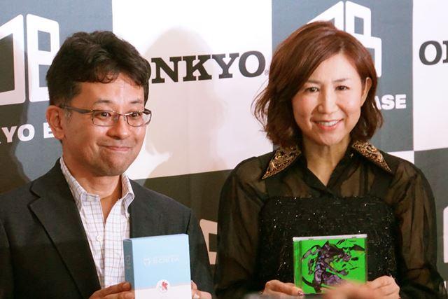 グランドオープンに先駆けて行われた内覧会には、歌手の高橋洋子さんもゲストとして登場