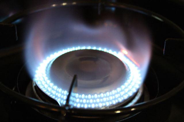 1口あたりの火力は2,800kcal/h。282個の炎口を備えているので風に強く、安定した火力が得られます