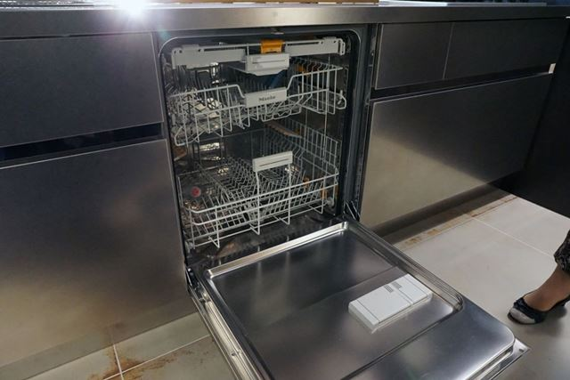 食洗機はサンワカンパニーのオプションで選べる三菱電機製なら4万7500円(税別)