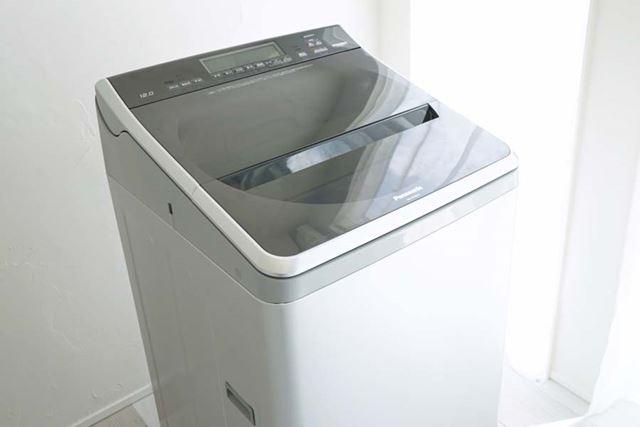 今回使用するパナソニック「NA-FA120V1」。デザイン性の高い縦型洗濯機ということでも注目されています