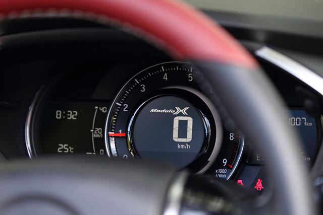 ホンダ「S660 モデューロX」のロゴ入り専用メーター