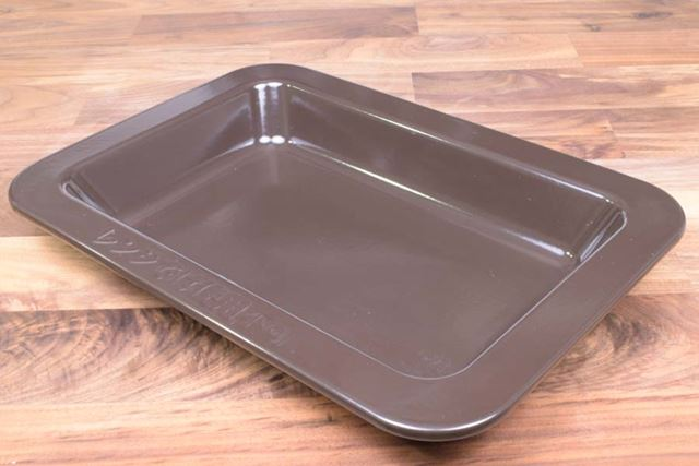 東芝が独自開発した深さ5cmの深皿がこちら。レンジ調理には使えないのでご注意を