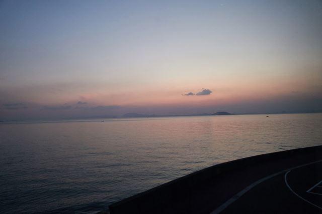 長崎・夜明け前の島原湾