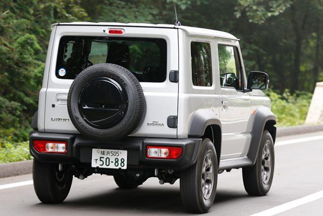 スズキ 新型「ジムニーシエラ」の舗装路における走行イメージ
