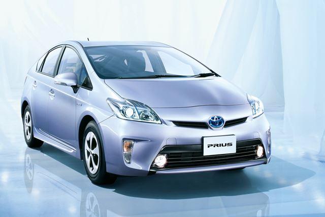 2009年に発売された、先代モデルのトヨタ 3代目「プリウス」