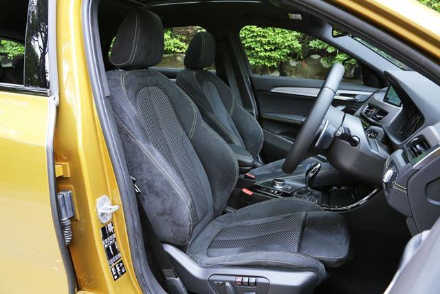 BMW X2のフロントシート