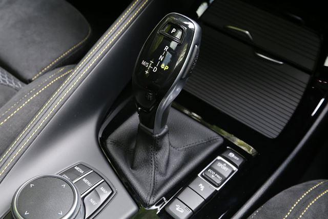 BMW X2のシフトレバー