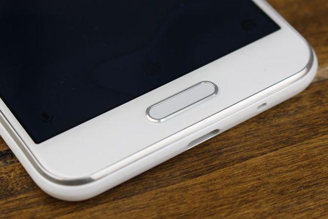 指紋認証センサーは、設定によってホームボタンとしても利用できる