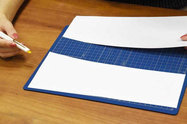 紙を切る感覚は、一般的なカッターナイフとほぼ変わらない