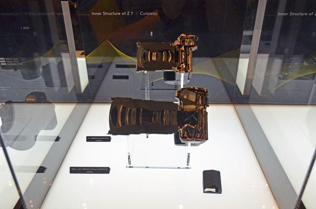 発表会のときにも展示されていたZマウントカメラとFマウントカメラの切断模型も展示