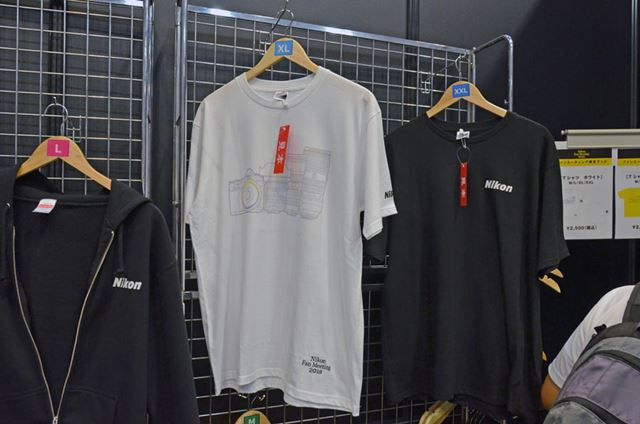 ファンミーティング限定デザインのTシャツも用意されていました