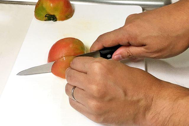 トマトも、ものすごくスッススッス切れる