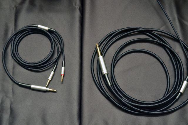 ケーブルはシルバーコートOFCケーブルとOFCケーブルの2種類が付属
