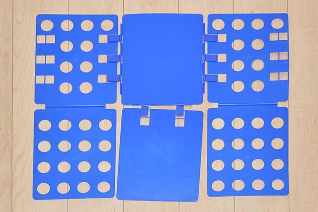 6枚の板が連結されており、パタパタ動くようになっています