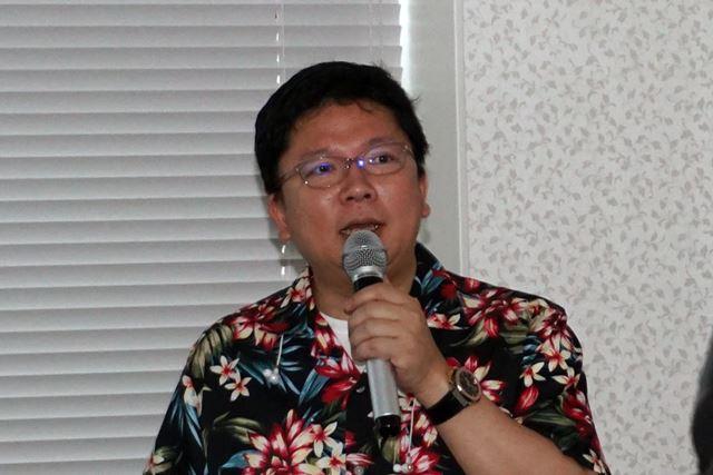 新製品の特徴を紹介する同社オーディオ顧問の岩崎氏