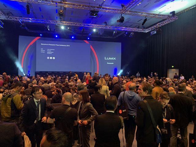 発表会開始直前の会場の様子