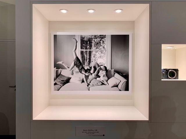 「GFX 50R」で撮影した写真の展示も行われていました