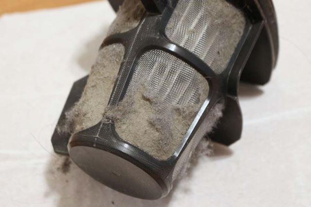 こんなにホコリが取れました。10年かけてコツコツ空中から捕集したホコリとあって、キメが細かいような