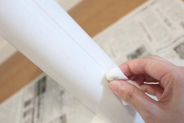 溝など細かい部分は、メラミンスポンジや綿棒があると便利です