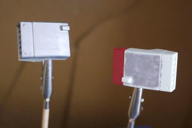 左がエアブラシシステム、右が手塗りです。ムラのなさは一目瞭然ですね