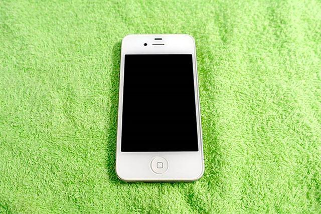 さて、この「iPhone 4s」をコーティングしていきましょう